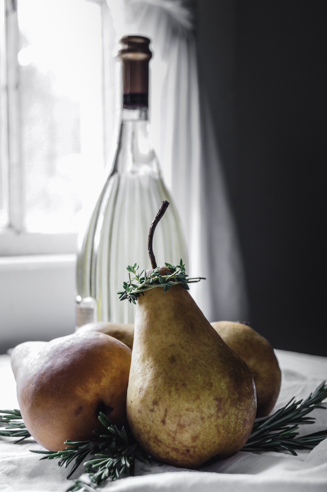 I would write that to her great delight there was a basket of wool socks keeping warm by the fire and on the table sat a simple loaf of freshly baked bread and a French pear 75 to wash it down. #amessybunkitchen french 75 cocktail recipe, #gin #french75