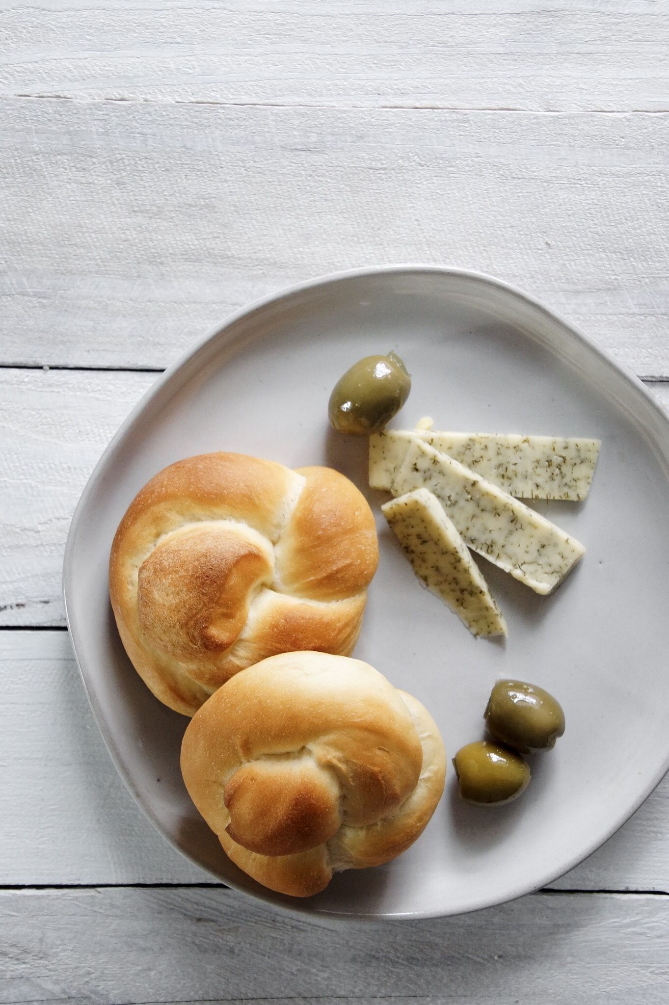 milk buns with cheese and olives