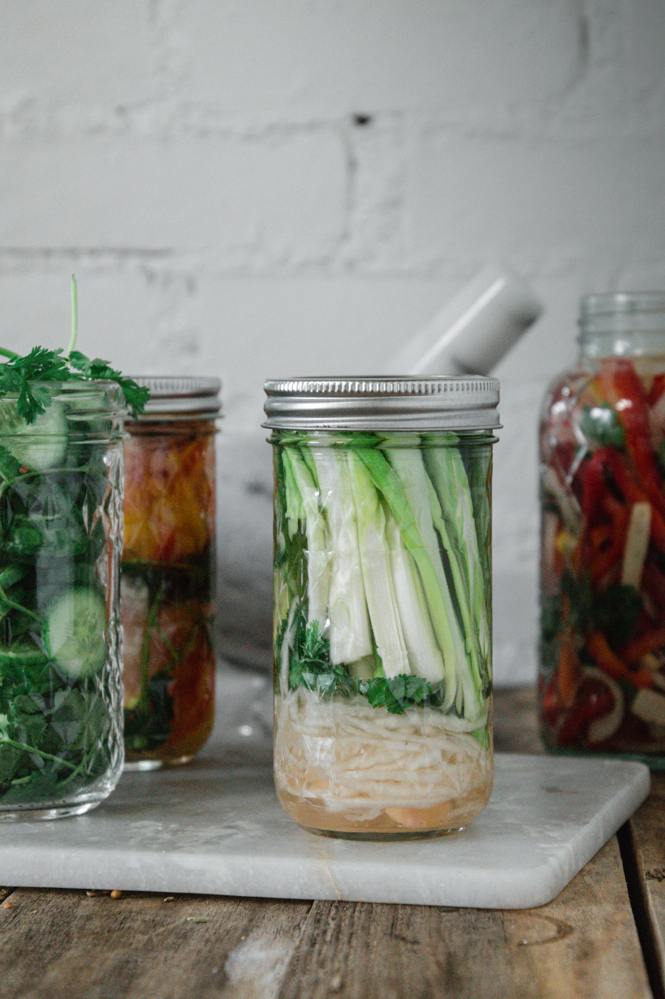 Green onions make surprising but beautiful pickles!